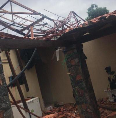 Fuerte temporal causa destrozos en varios puntos del país – Prensa 5