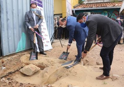 Aduanas inicia construcción de su nuevo edificio