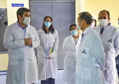 Embajador de Taiwán visitó laboratorio de bioseguridad del Senacsa y se reunió con el Presidente