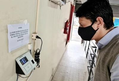 Recomiendan evitar contagio laboral de COVID19 con uso de registro facial o planillas de asistencia