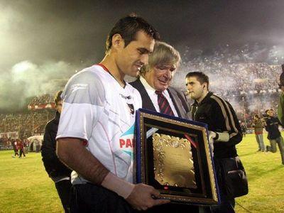 """Newell's felicita a Justo Villar con sus """"voladas inexplicables"""""""