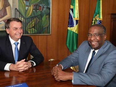 El ministro de Educación brasileño dimite tras escándalo de falso currículum