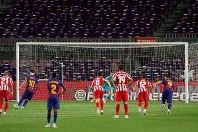 Pese al gol 700 de Messi, el Barça no pudo ante el Atlético de Madrid