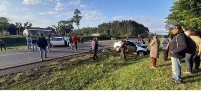Tres fallecidos en choque de dos automóviles en Santa Rosa del Mbutuy