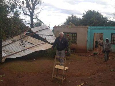 Tormenta golpea con fuerza varios departamentos y causa destrozos