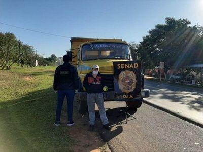 Cae camión tumba que transportaba marihuana en San Pedro