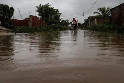 Un ciclón al sur de Brasil deja al menos 7 muertos y graves daños materiales