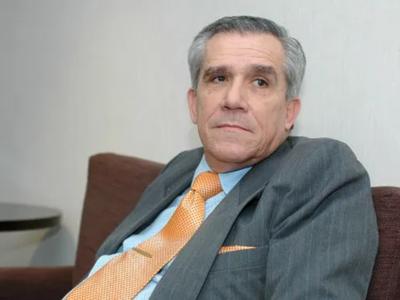 """""""Hay dos Paraguay, el de maravillas de Mario Abdo y el real"""", sostiene analista político"""