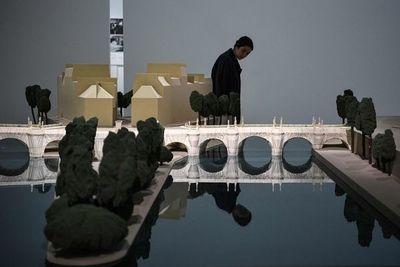 """El Pompidou reabre con la exposición """"maldita"""" de Christo"""