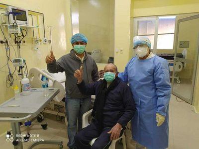 Abuelito de 82 años se recuperó de coronavirus y fue dado de alta