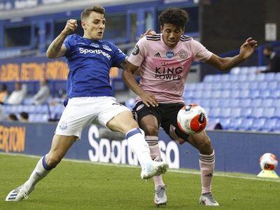 Everton ahonda en el bajón del Leicester