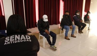 Incautan droga y detienen a cuatro miembros de la banda de narcotraficantes