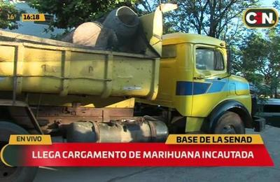Llega cargamento de marihuana incautada a sede de la SENAD