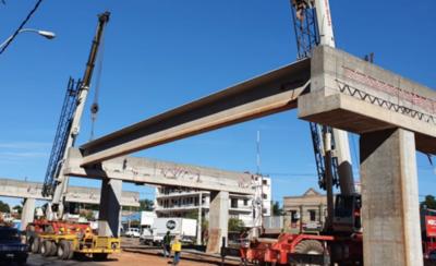HOY / Colocan primeras vigas al segundo puente del Corredor Vial Botánico