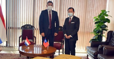 Alliana agradece a embajador de Taiwán por donación de tapabocas