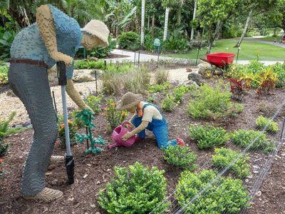 Naturaleza y obras de Lego se funden en un jardín botánico de Florida