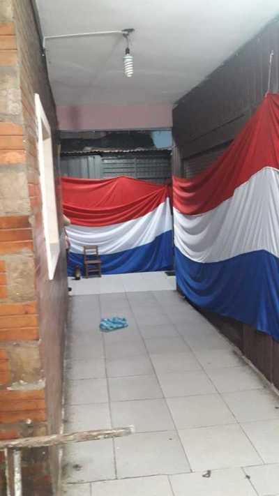 Conflicto en el Mercado: Dos puestos están clausurados con bandera tricolor