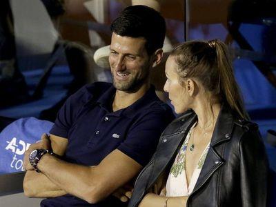 Djokovic y su esposa dan negativo en un nuevo test de coronavirus