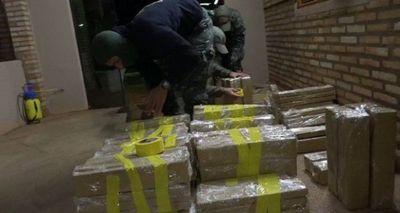 Dos detenidos con alrededor de 400 kilos de marihuana en Pedro Juan Caballero