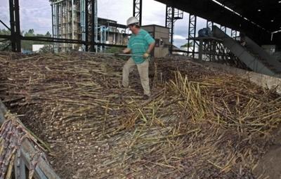 Cañicultores exigen al gobierno frenar el Contrabando y amenazan con sitiar Asunción