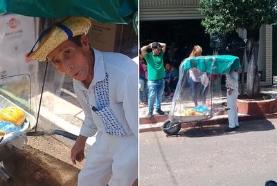 Creó un ingenioso carro para salir a vender fruta en la calle