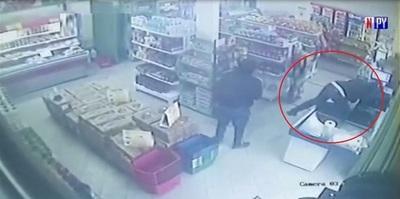 Así motochorros asaltaron e hirieron a empleados de una distribuidora