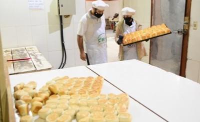Más de mil personas reciben alimentos de la procesadora municipal