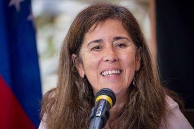 Venezuela suspende decisión de expulsar a embajadora de la UE