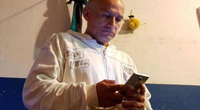 """Panadero es despedido por agendar a su jefe en el celular como """"HDP"""""""