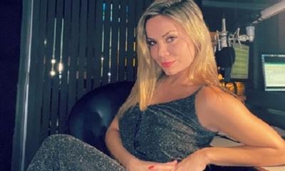 Dahiana Bresanovich desfila sexy con una jeringa