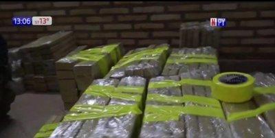 Incautan 400 kilos de marihuana