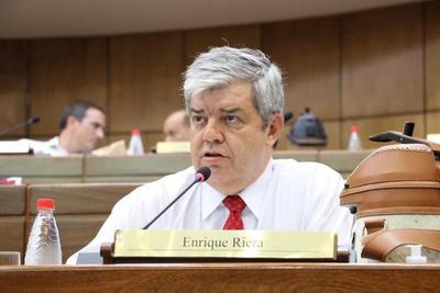 Riera se opone a nuevo endeudamiento por falta de transparencia en fondos de emergencia