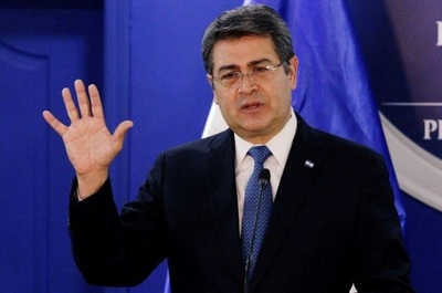 Presidente de Honduras deja el hospital tras recibir alta médica de COVID-19