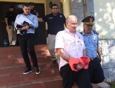 Juez ordenó inhibición de enajenar y gravar bienes de Ramón González Daher y su hijo