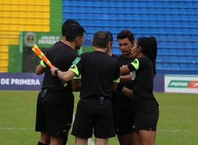 La designación de árbitros para los primeros partidos amistosos