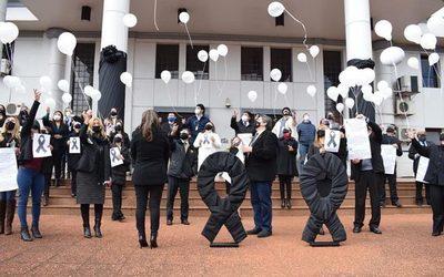 Magistrados y funcionarios del Poder Judicial elevaron oración en memoria de Diana Eveline – Diario TNPRESS