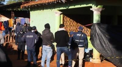 POLICÍA HABLABA POR VIDEOLLAMADA CON SU MADRE MIENTRAS IBA ELIMINANDO A SU FAMILIA
