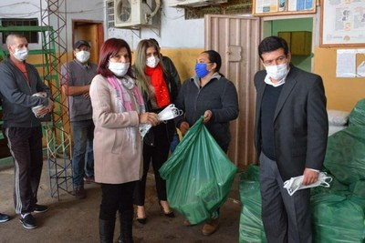 Covid-19: Donan elementos de higiene a Tacumbú