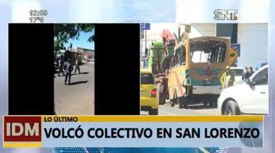 Bus vuelva en San Lorenzo a causa de choque