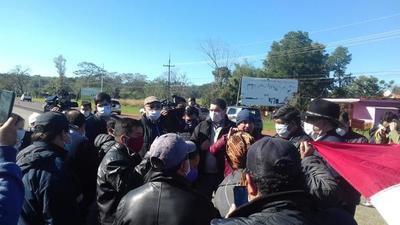 Comitiva del MOPC se reunió con pobladores de la zona de Nueva Australia y Espinillo – Prensa 5