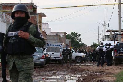 Aumenta a 27 número de víctimas de masacre en México