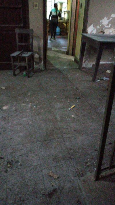 Compatriotas denuncian insalubridad en albergue COVID-19