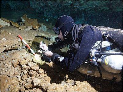 Descubren minas de ocre de hace 12.000 años en cuevas subacuáticas de México