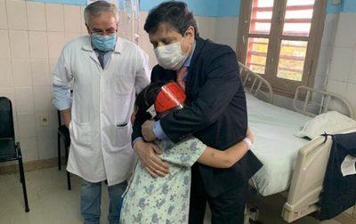 Denuncian que ministro Acevedo incumplió promesa de asistencia a niño baleado
