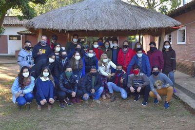 Unos 30 compatriotas abandonan albergue en Villarrica tras cumplir la cuarentena