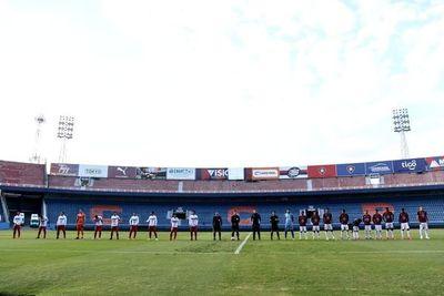 Giménez de lateral, una zaga juvenil y Aquino de media punta, las pruebas de Arce en el primer amistoso de Cerro