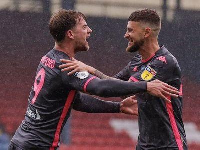 El Leeds de Bielsa se agarra al liderato y acaricia el ascenso