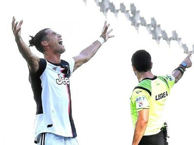 Juventus golea en el derbi y blinda el liderato