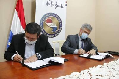 Gobernación de Boquerón y SENAD firman convenio para lucha contra drogadicción