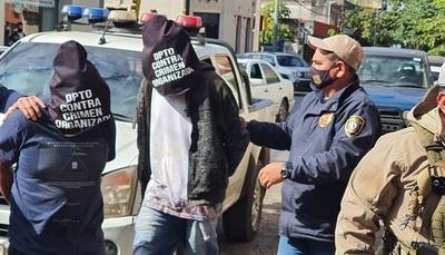Imputan a 4 personas por presunta venta ilegal de municiones y armas de uso militar